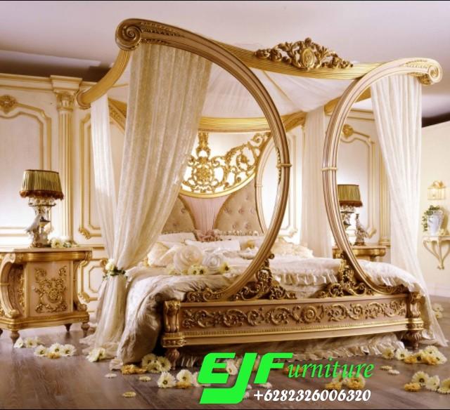 Tempat-Tidur-Ukir-Kanopi-Duco-Emas-Terbaru-083 Tempat Tidur Ukir Kanopi Duco Emas Terbaru 083 Tempat-Tidur-Ukir-Kanopi-Duco-Emas-Terbaru-083
